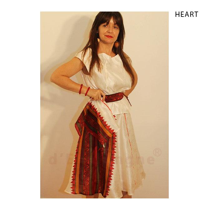 fehér, piros selyem blúz, szoknya, kendő, öv